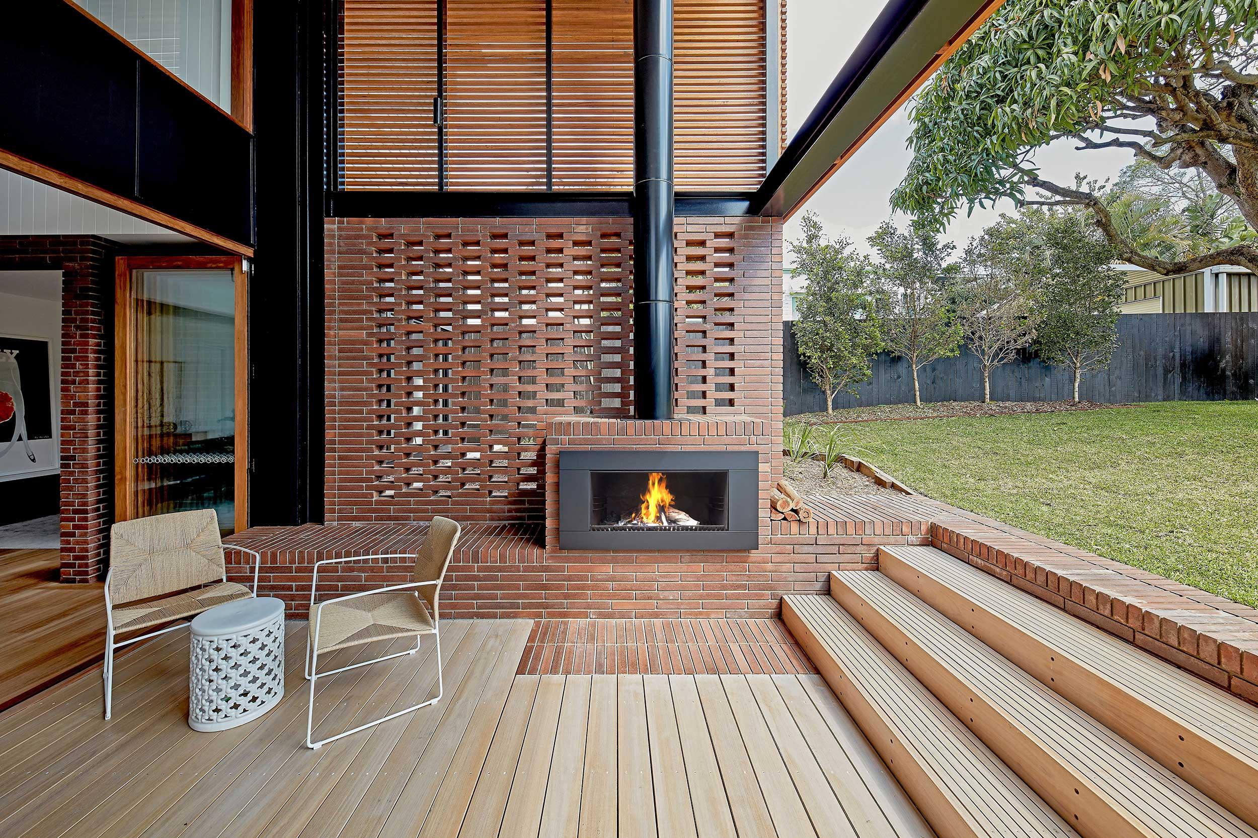 Entertain Al Fresco – 10 outdoor wood fire designs to inspire your own backyard.