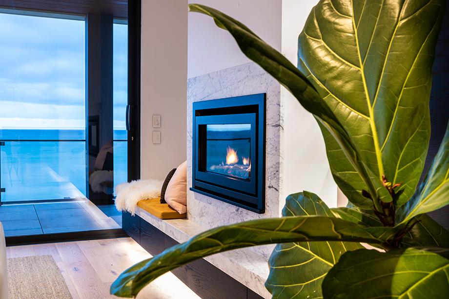 A beachside apartment renovation that maximizes the views