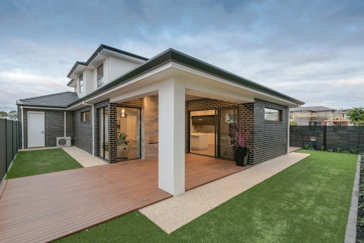 APS Homes display home with double sided DX1000