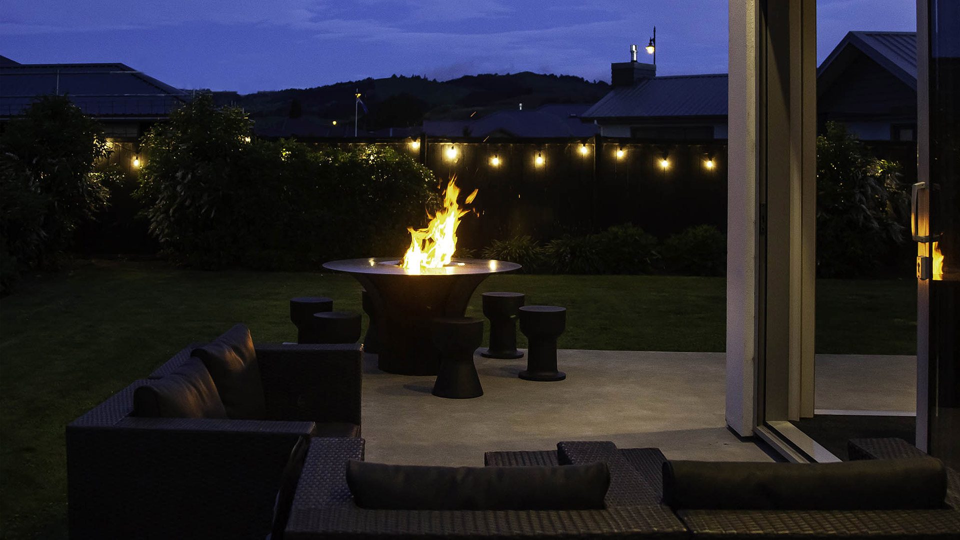Bringing the campfire to you - at home with the Escea EP1350 Fire Table.