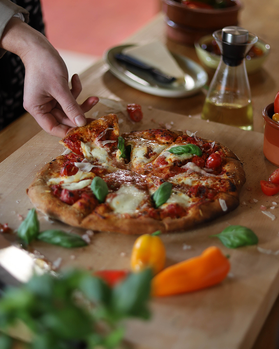 EK Recipe: Cook Pizza Margherita to Perfection on the New EK Pizza Oven Accessory