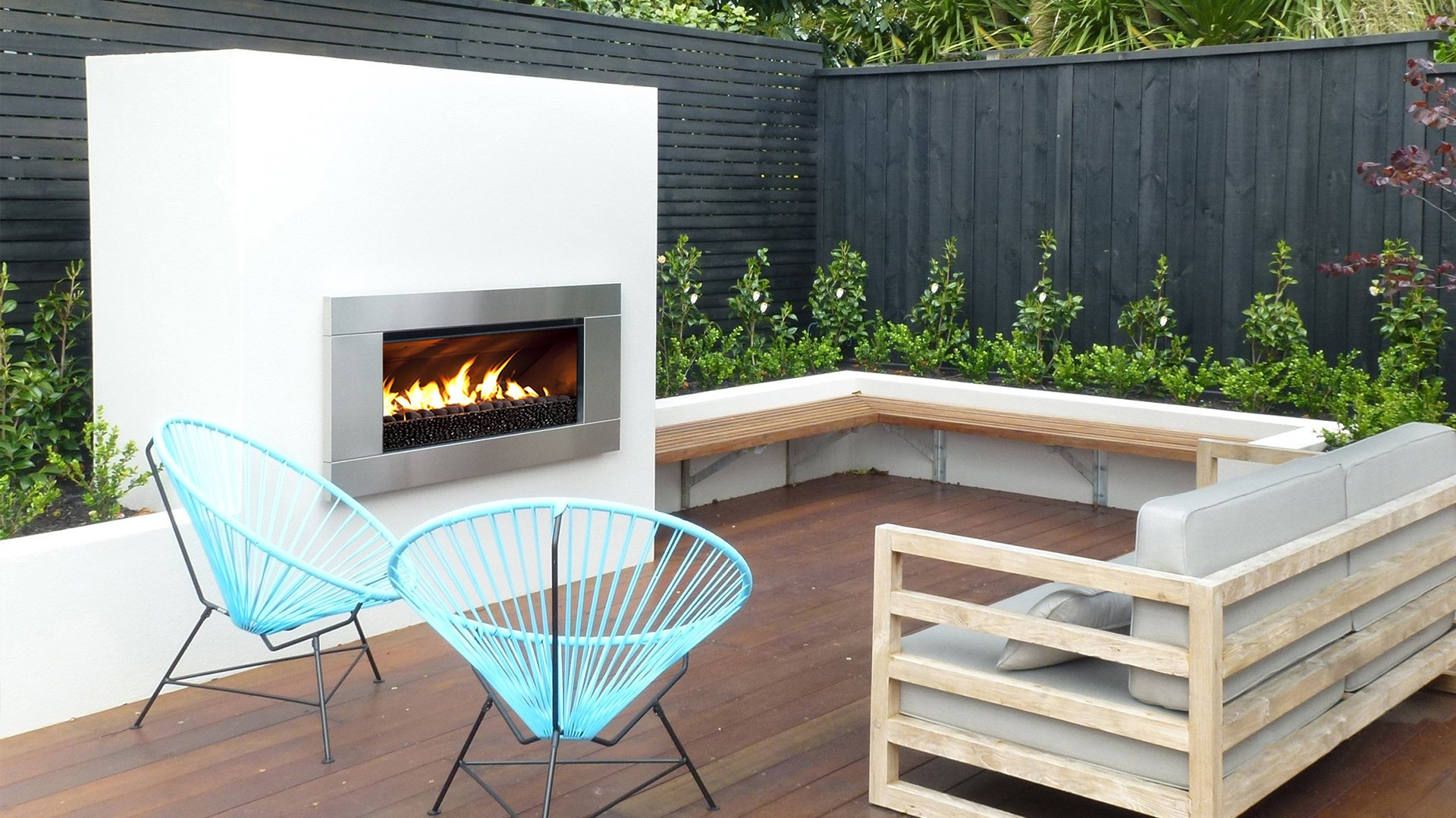 Urban villa extension with the EF5000 outdoor fireplace